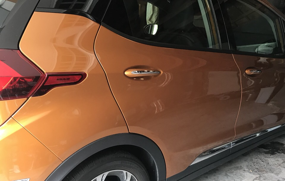 2017 Chevrolet Bolt EV - photo 2