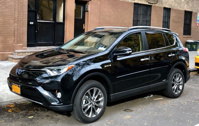 2017 Toyota RAV4 Hybrid - photo 1