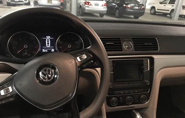 2017 Volkswagen Passat - photo 1