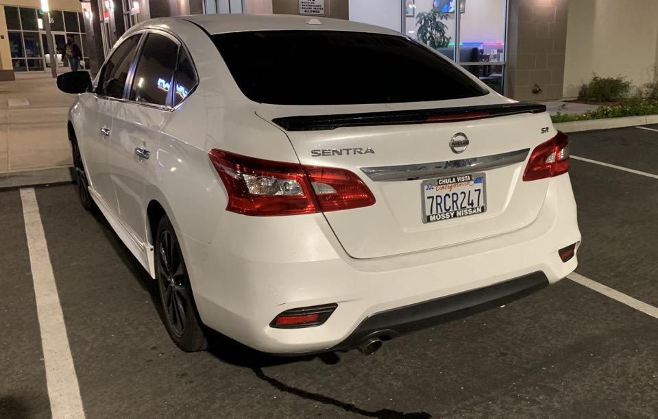 2017 Nissan Sentra - photo 2