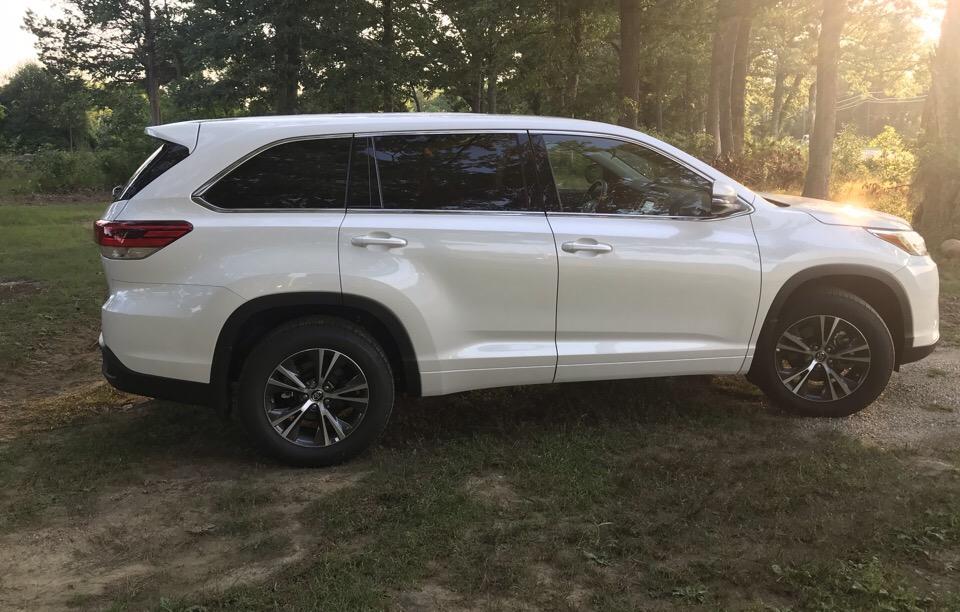 2018 Toyota Highlander - photo 1