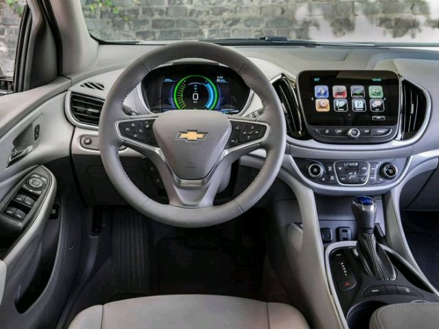 2017 Chevrolet Volt - photo 2