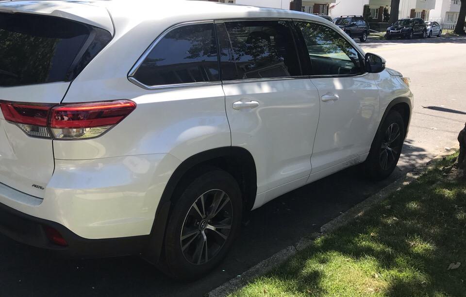 2018 Toyota Highlander - photo 2