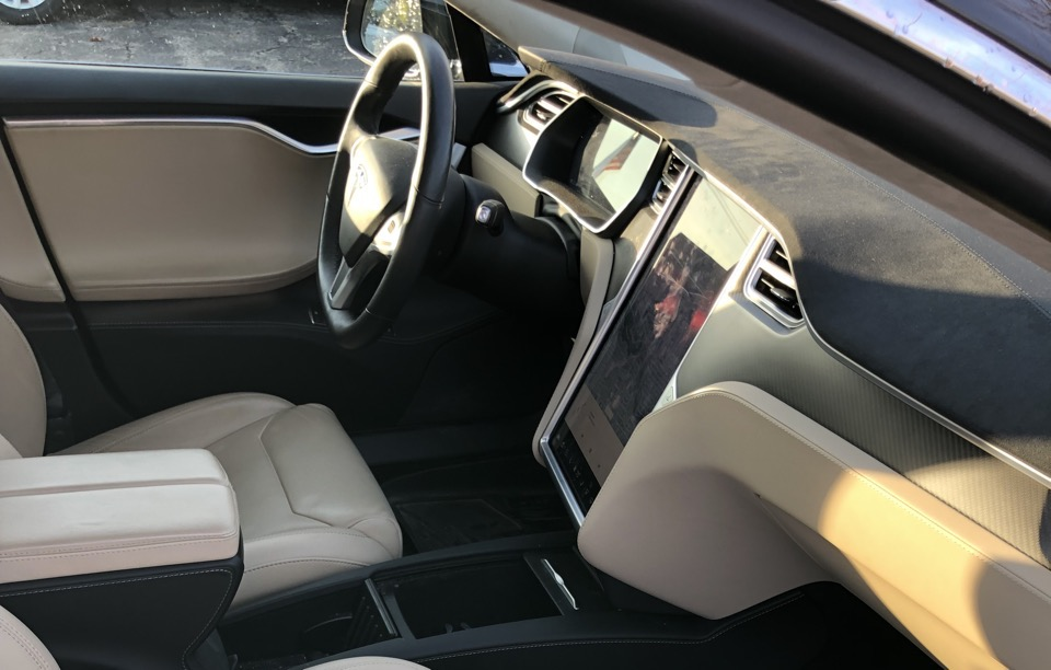 2017 Tesla Model S - photo 2