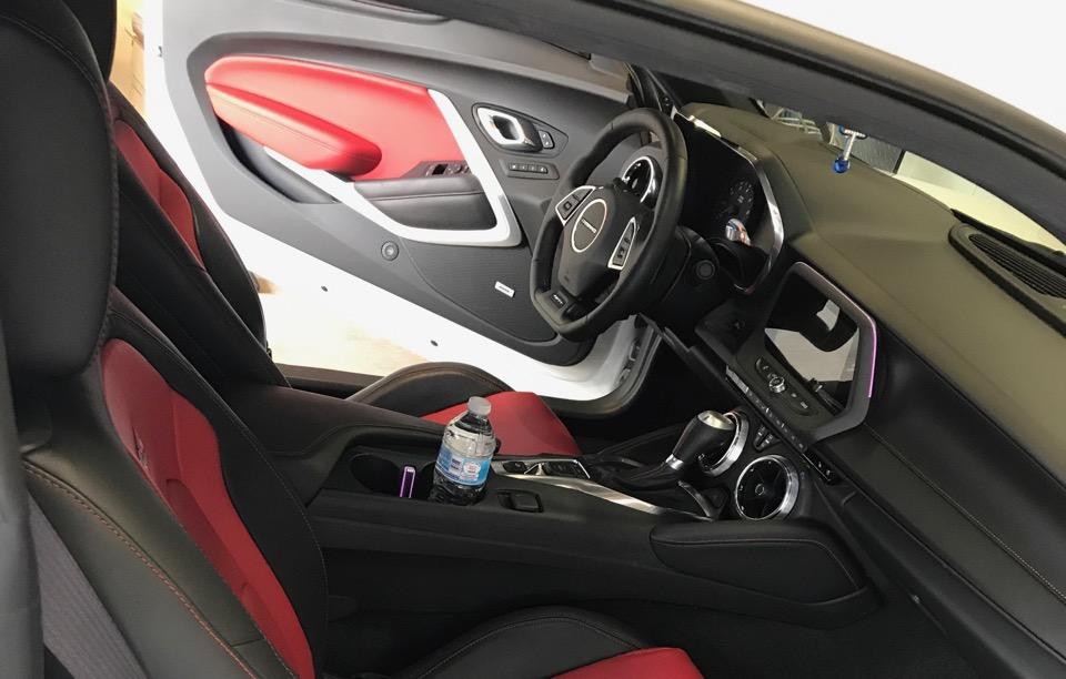 2017 Chevrolet Camaro - photo 3