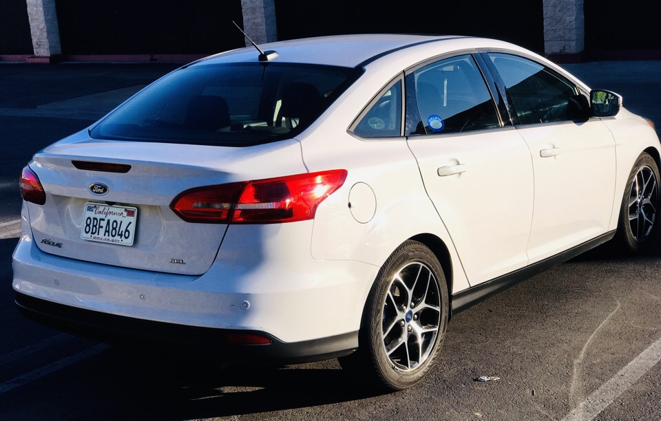 2017 Ford Focus - photo 3