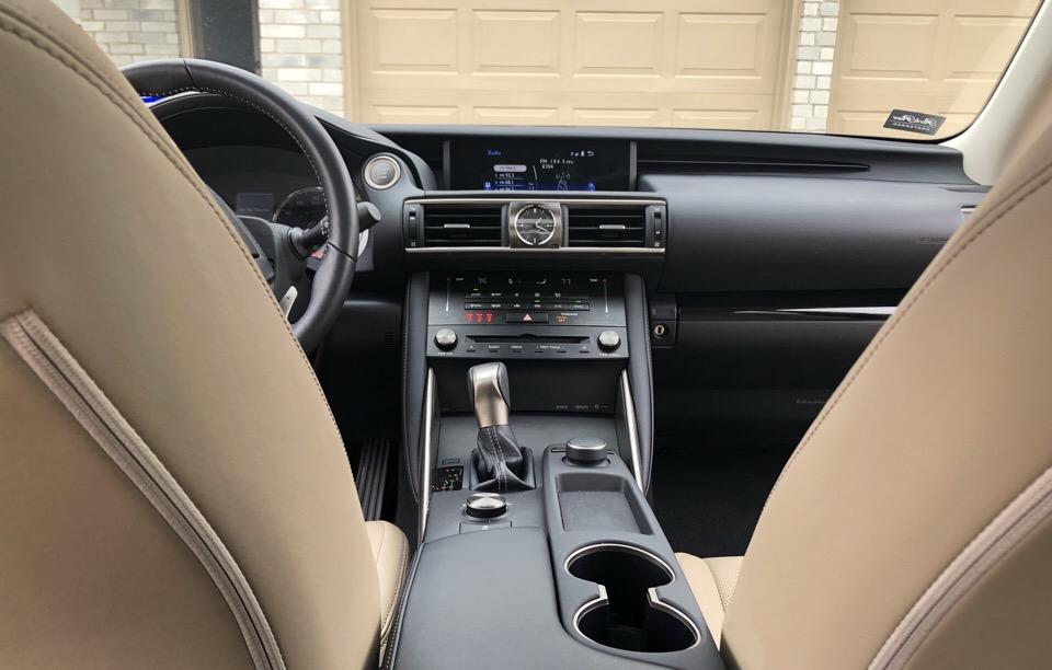 2018 Lexus IS 300 - photo 7