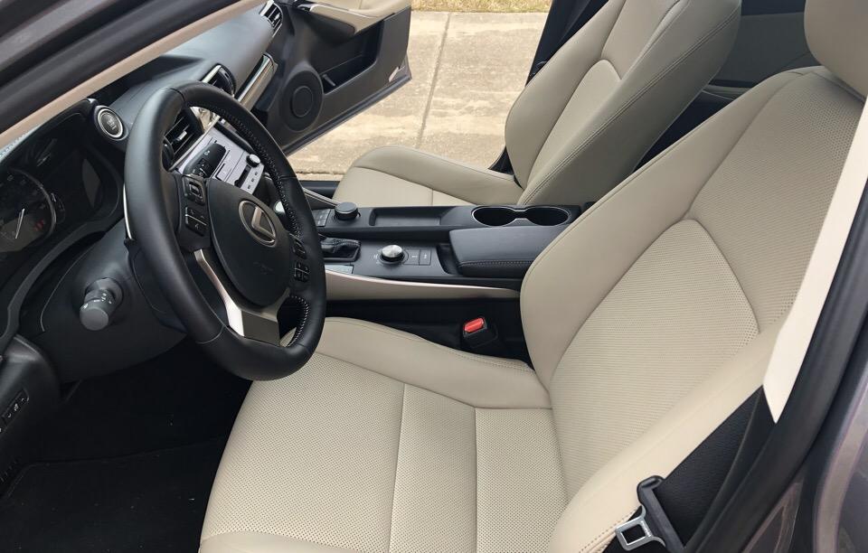 2018 Lexus IS 300 - photo 4