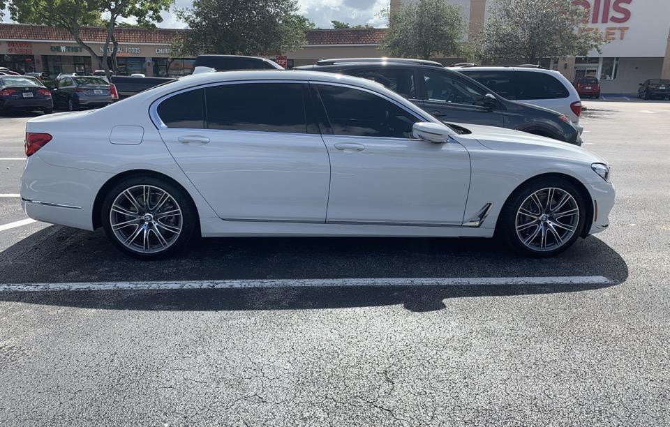 2019 BMW 7 Series - photo 2
