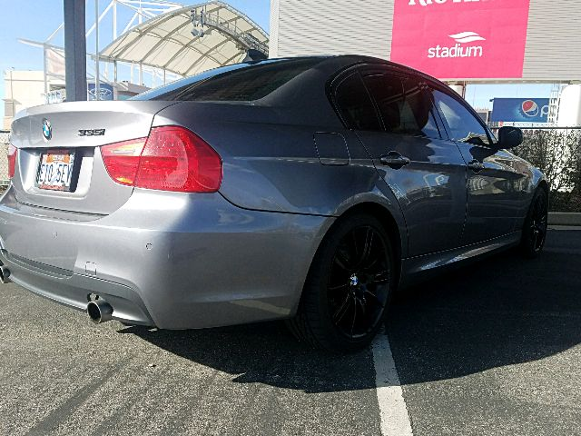 2009 BMW 3 Series - photo 2