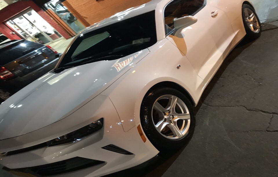 2017 Chevrolet Camaro - photo 0