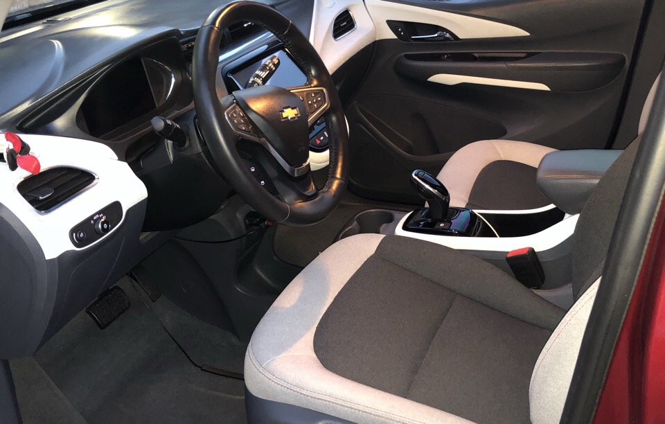 2017 Chevrolet Bolt EV - photo 2