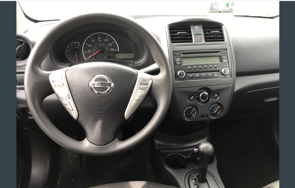 2015 Nissan Versa - photo 2