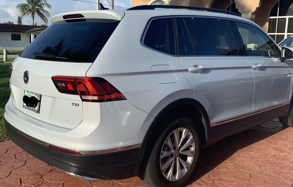 2018 Volkswagen Tiguan - photo 2