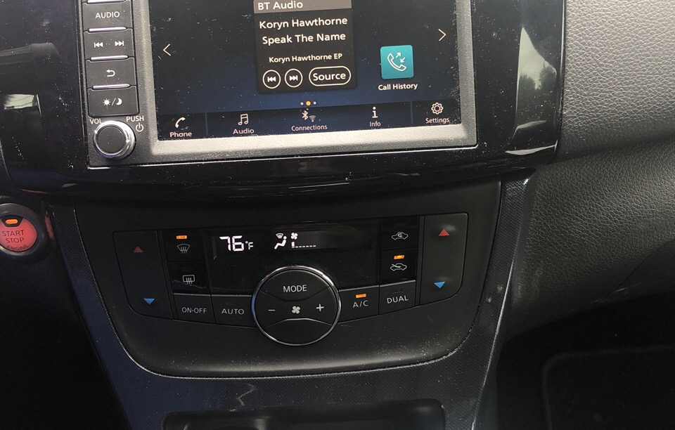 2019 Nissan Sentra - photo 4