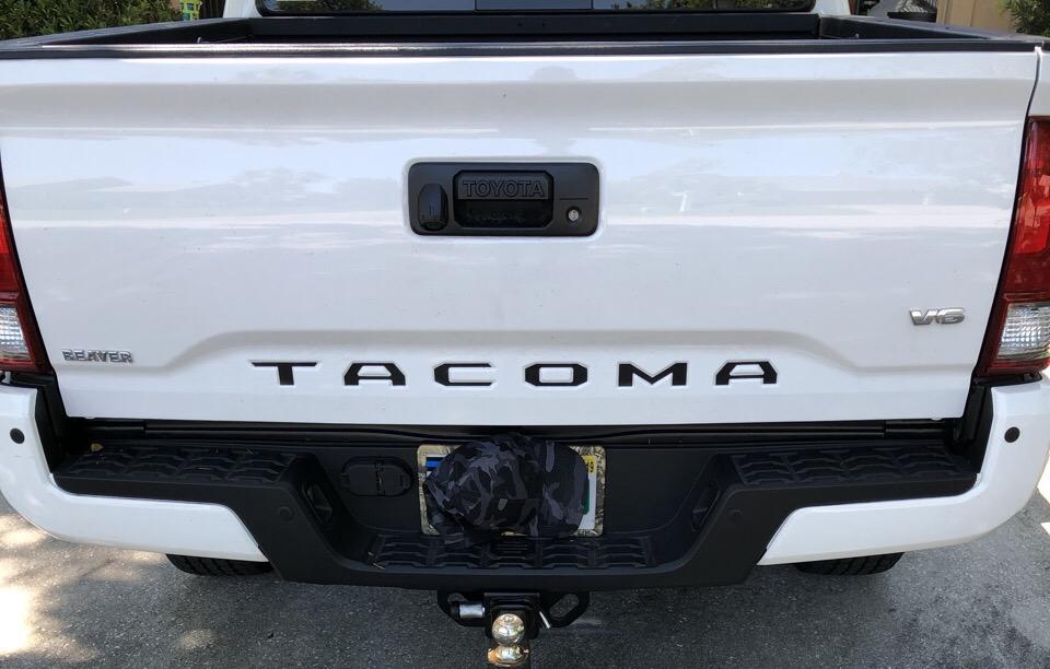 2017 Toyota Tacoma - photo 2