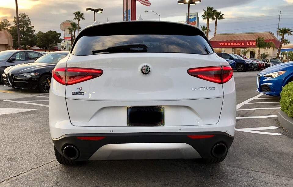 2018 Alfa Romeo Stelvio - photo 2
