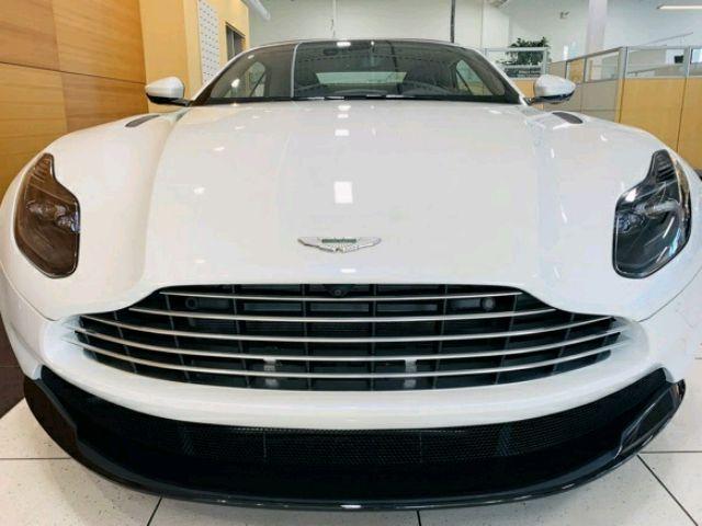 2019 Aston Martin DB11 - photo 3