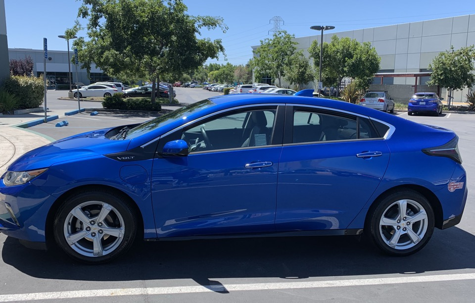 2018 Chevrolet Volt - photo 1