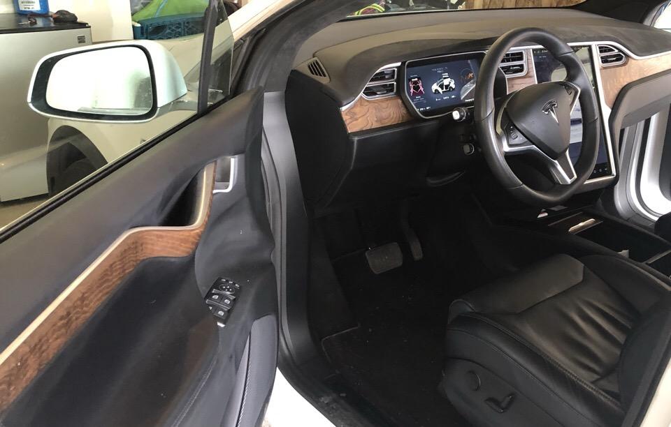 2017 Tesla Model X - photo 3