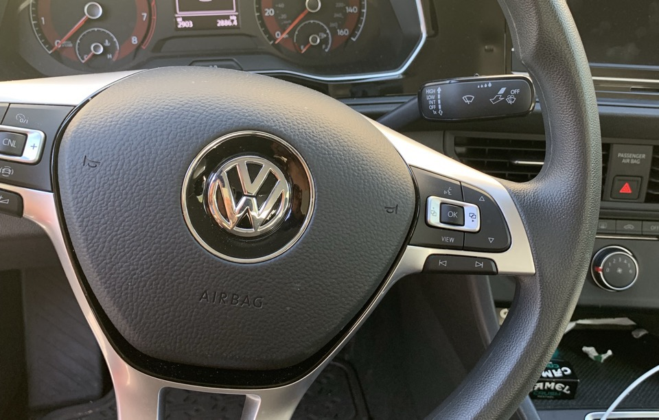 2019 Volkswagen Jetta - photo 1