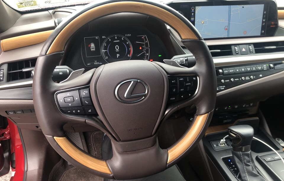 2019 Lexus ES 350 - photo 3