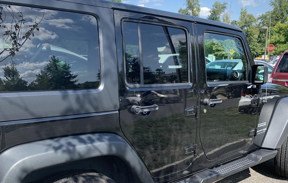 2018 Jeep Wrangler Unlimited - photo 2