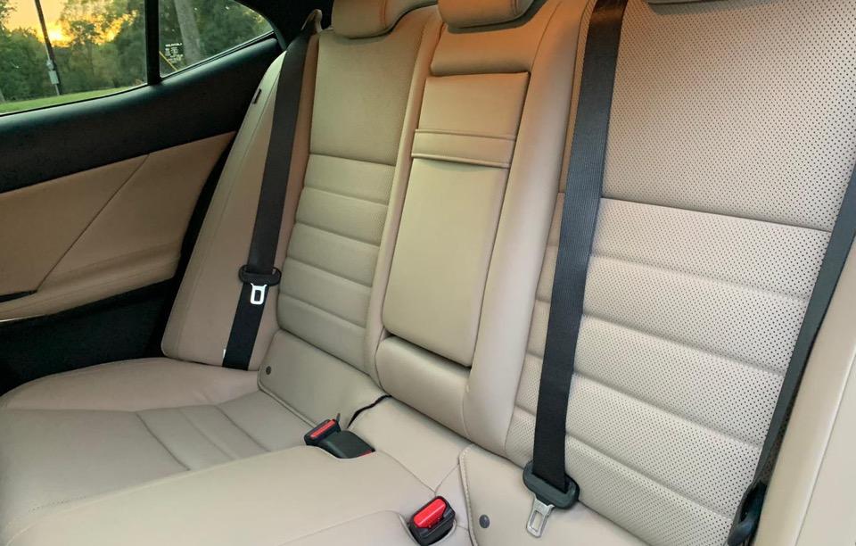 2018 Lexus IS 300 - photo 9