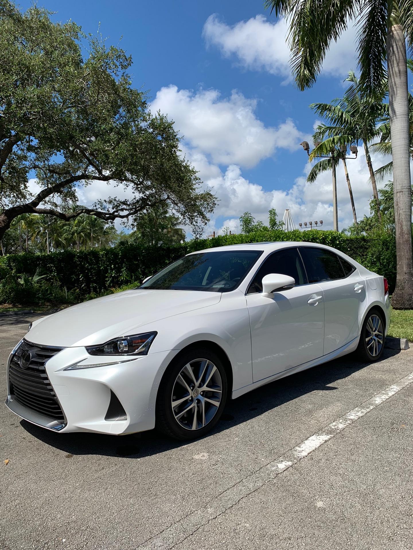2019 Lexus IS 300 - photo 3