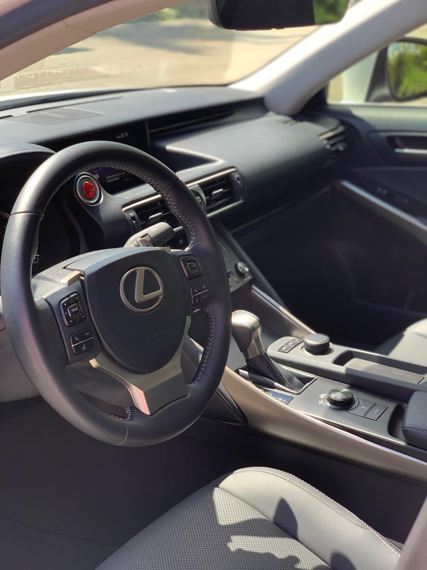 2019 Lexus IS 300 - photo 6