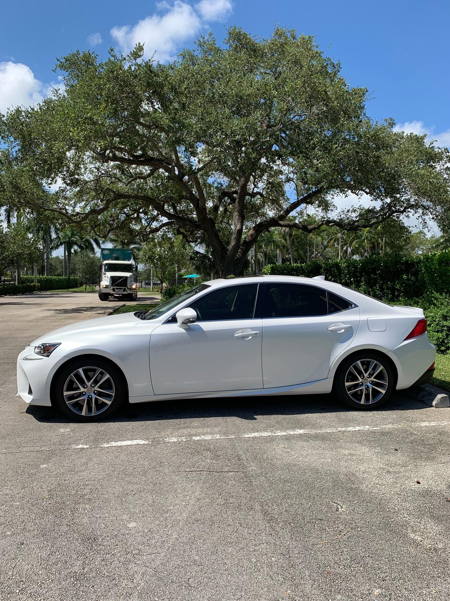 2019 Lexus IS 300 - photo 4