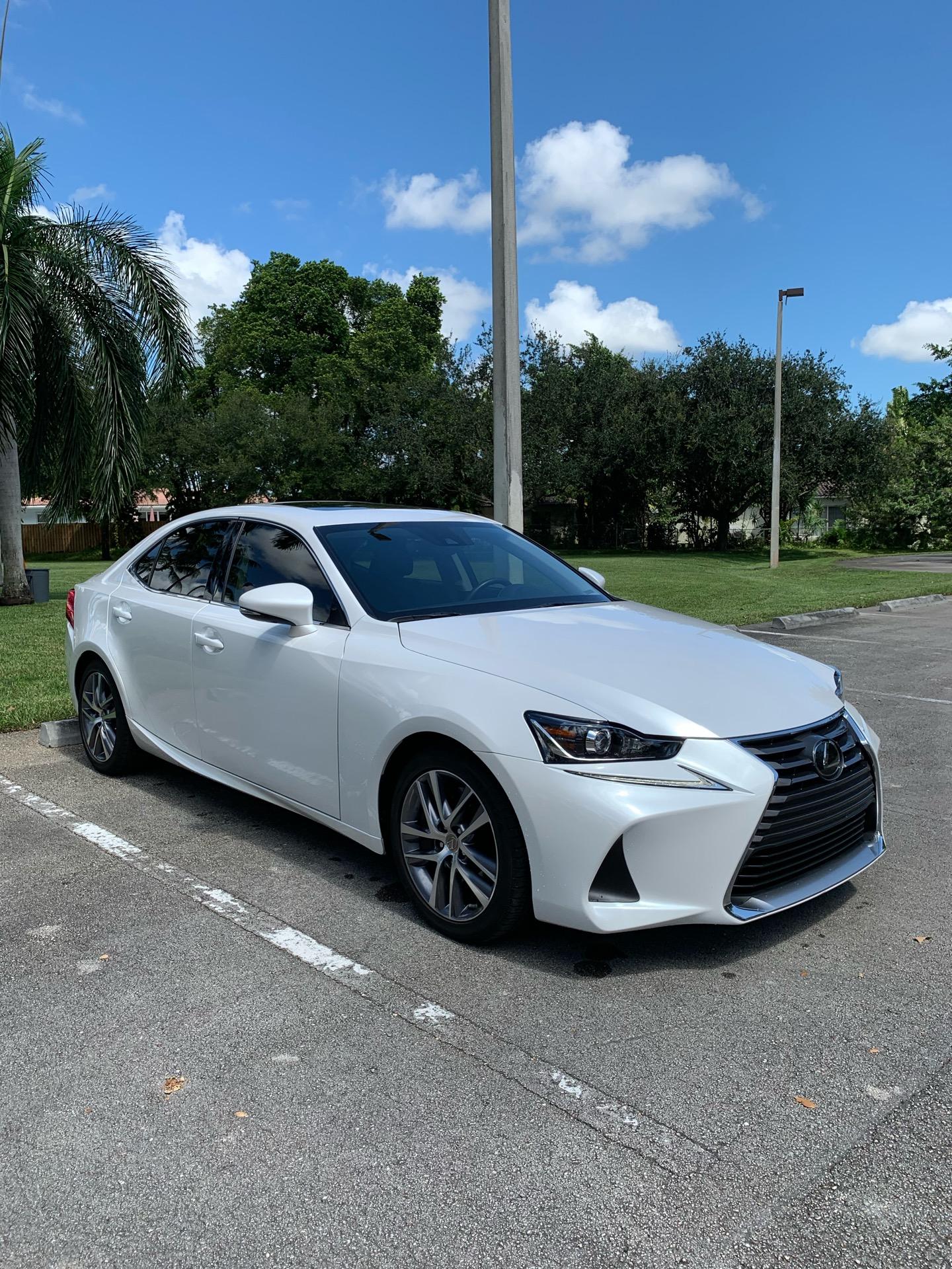 2019 Lexus IS 300 - photo 1