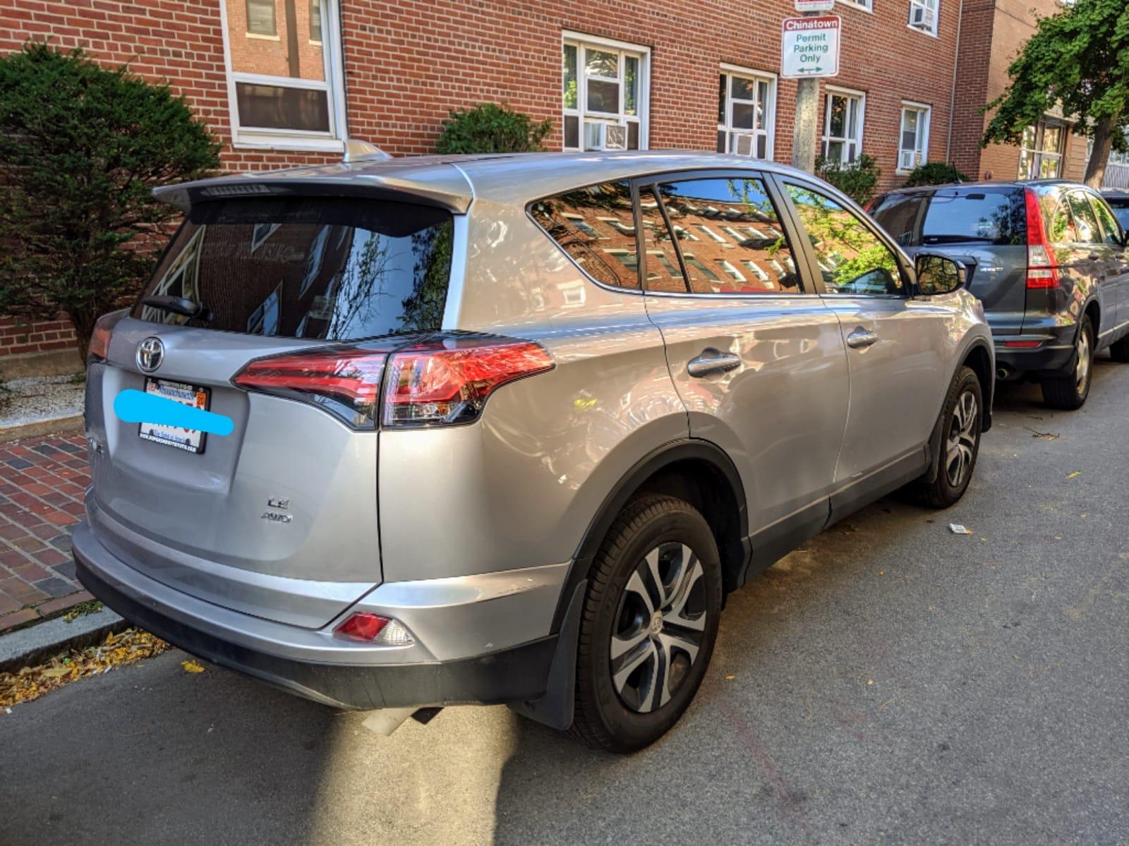 2018 Toyota RAV4 - photo 2