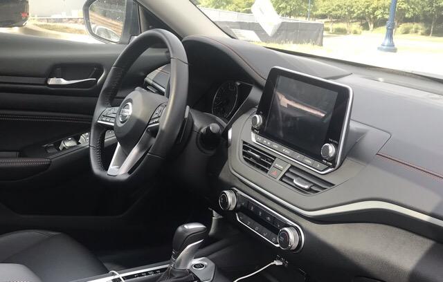 2019 Nissan Altima - photo 2