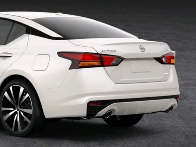 2019 Nissan Altima - photo 2
