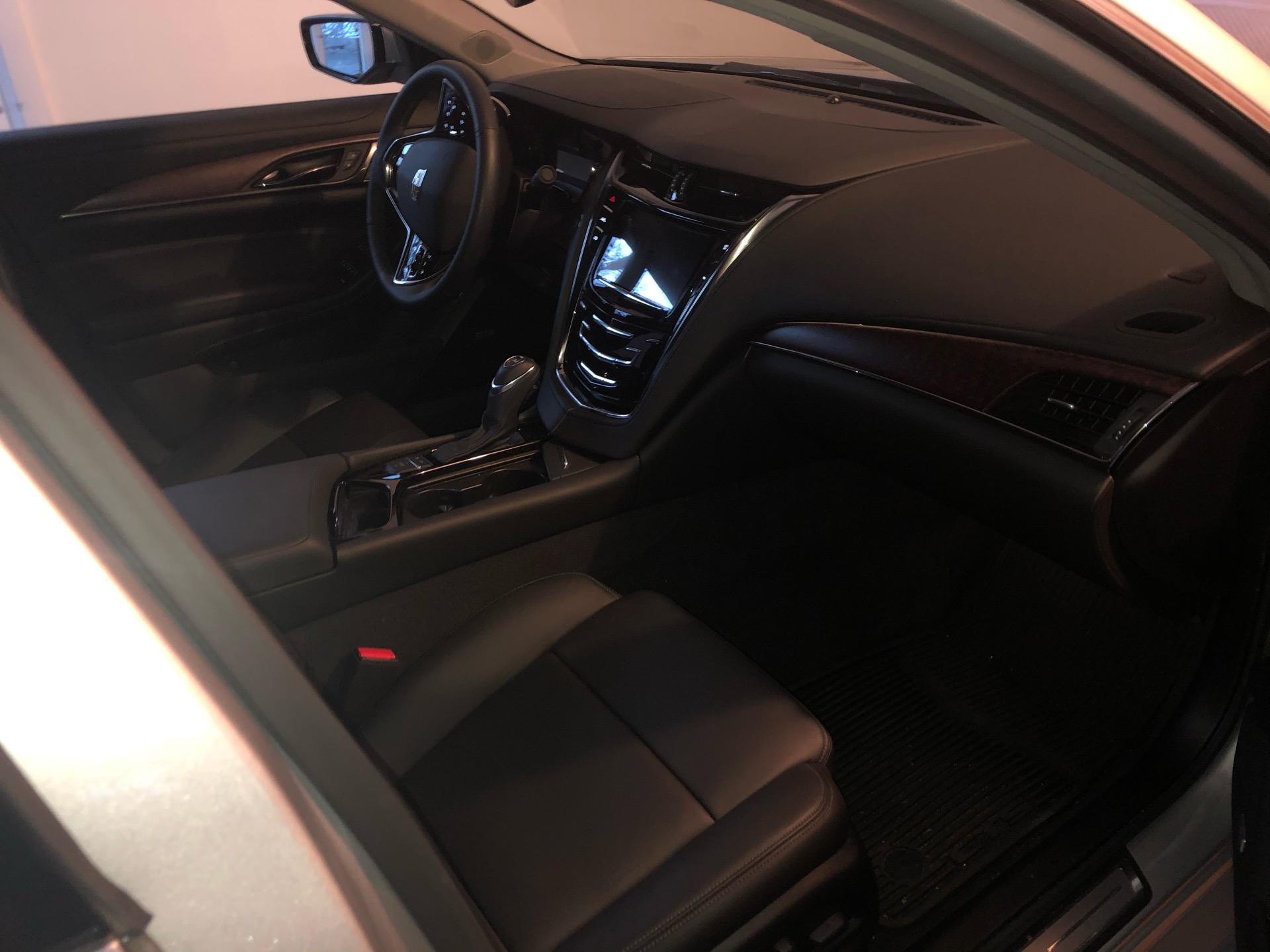 2019 Cadillac CTS - photo 7