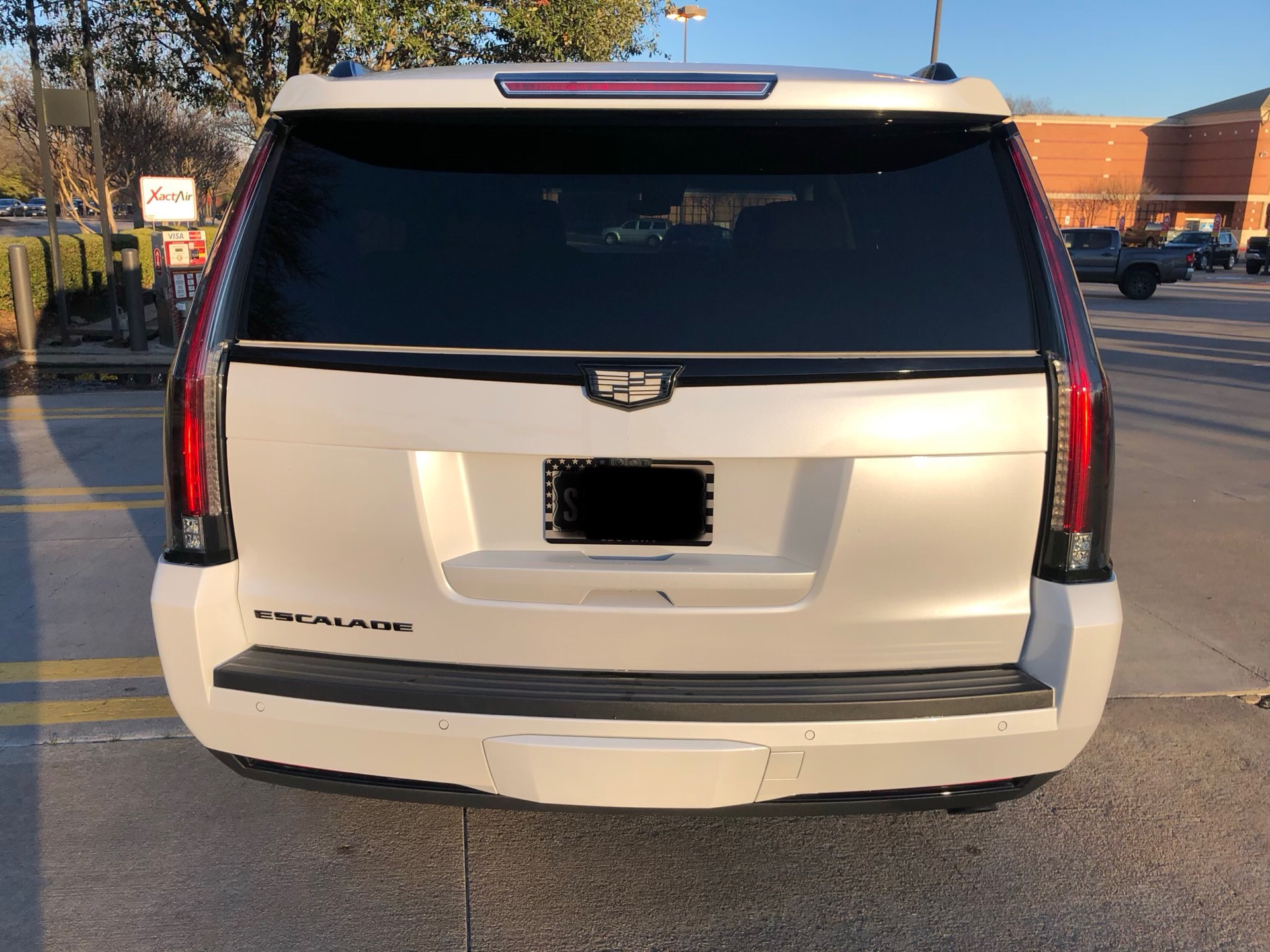 2018 Cadillac Escalade - photo 2