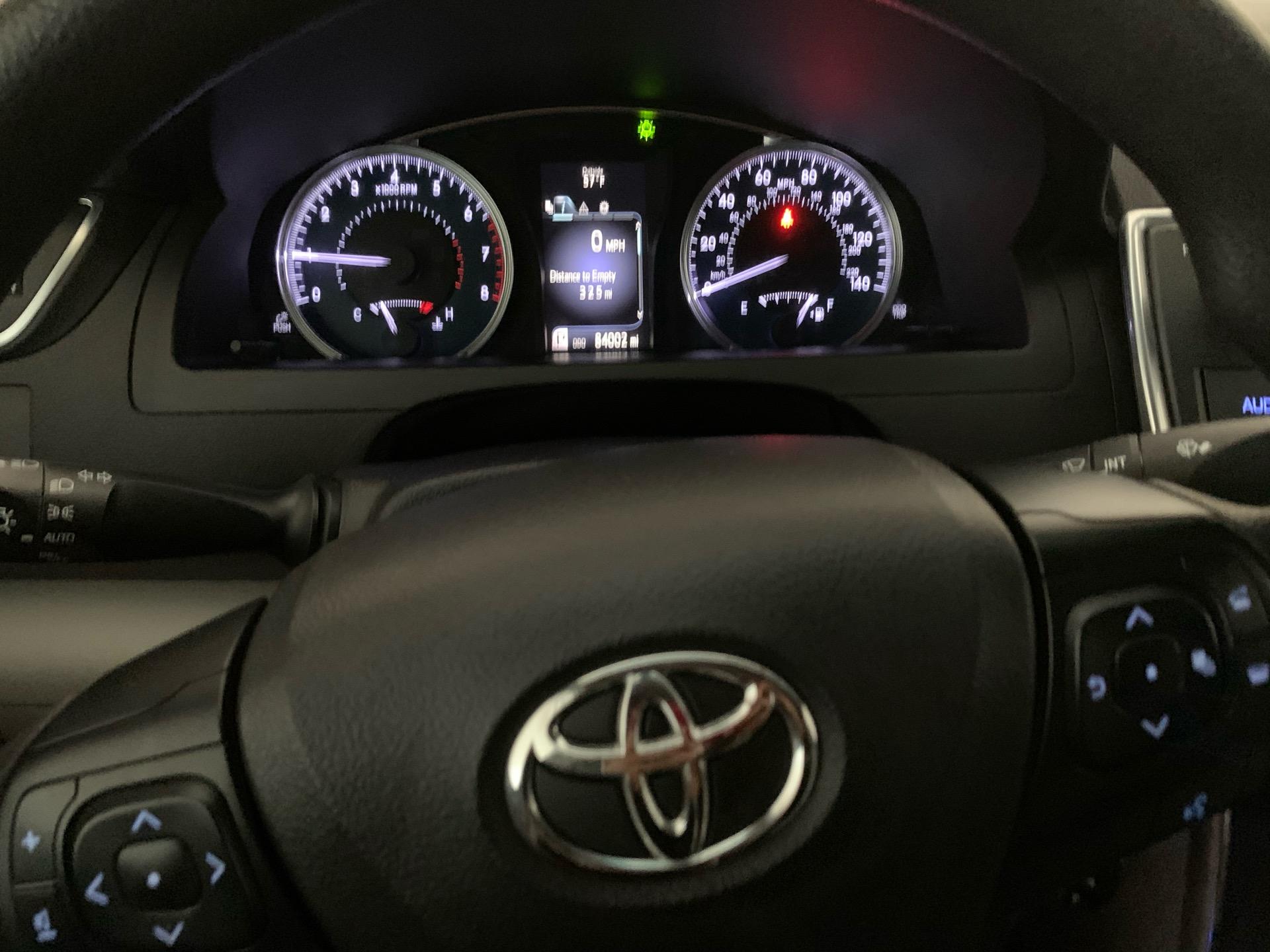 2016 Toyota Camry - photo 1