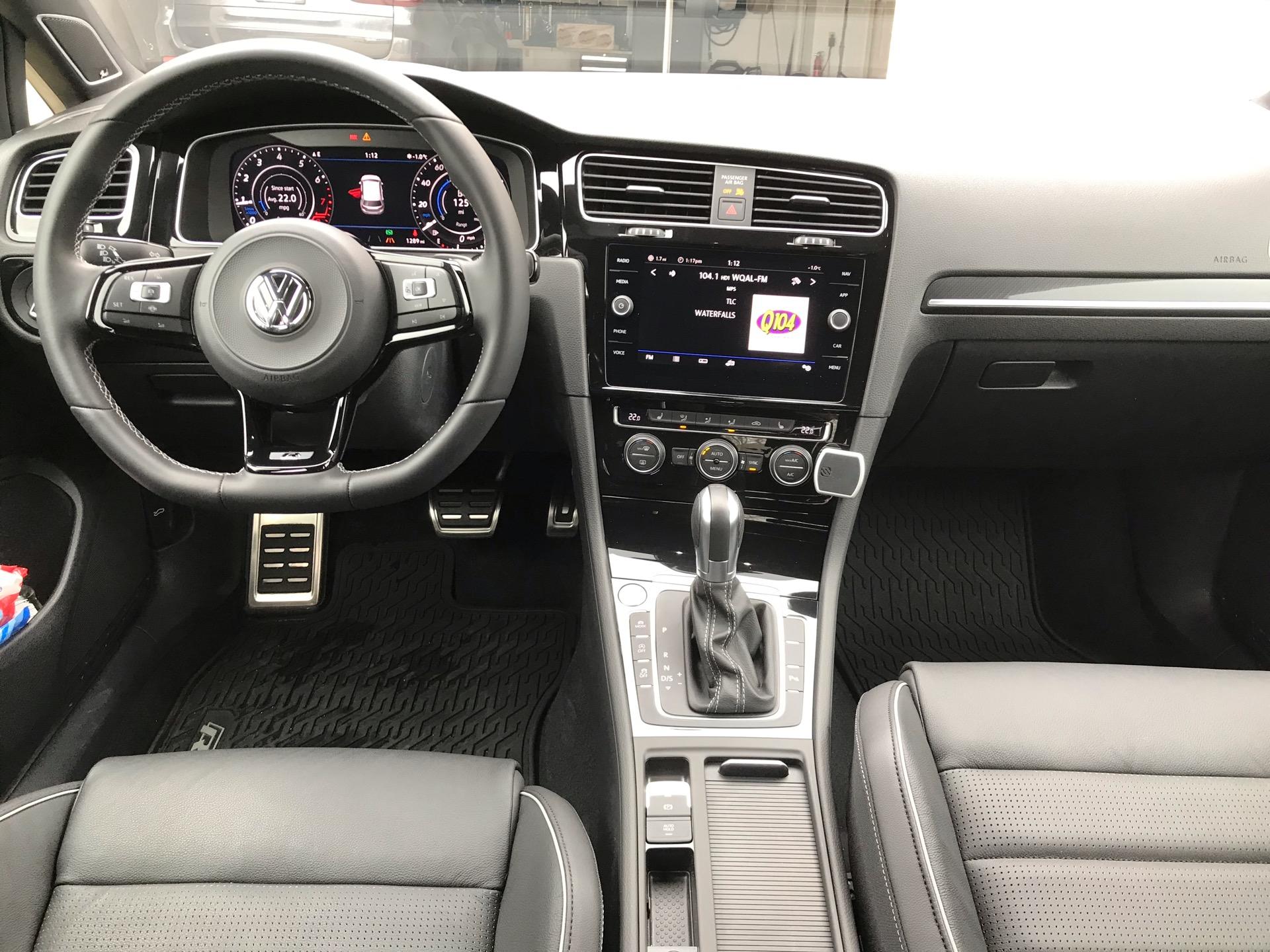2019 Volkswagen Golf R - photo 4