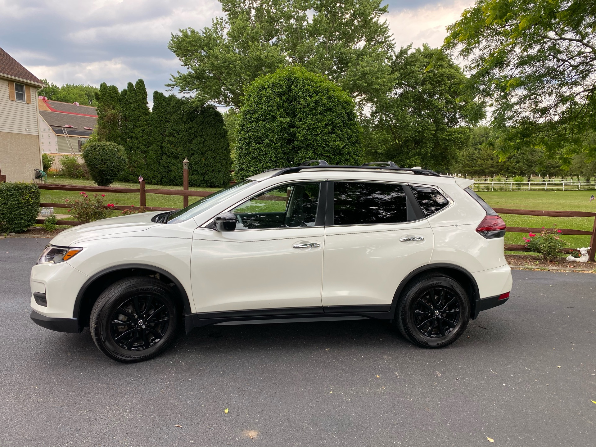 2018 Nissan Rogue - photo 1
