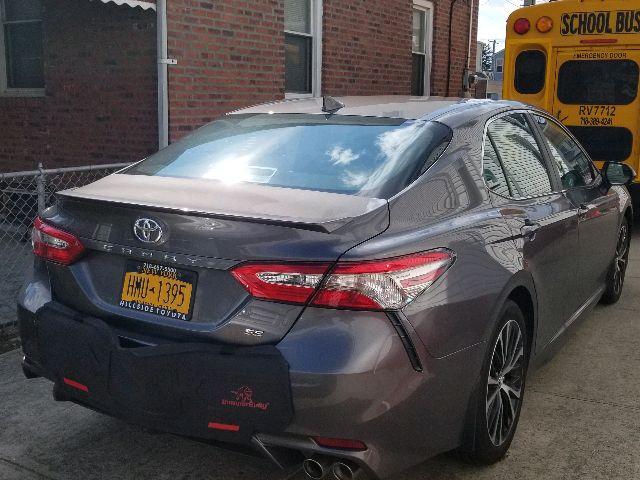 2019 Toyota Camry - photo 1