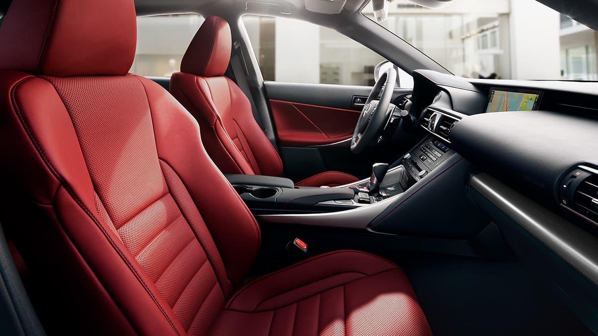 2019 Lexus IS 300 - photo 2
