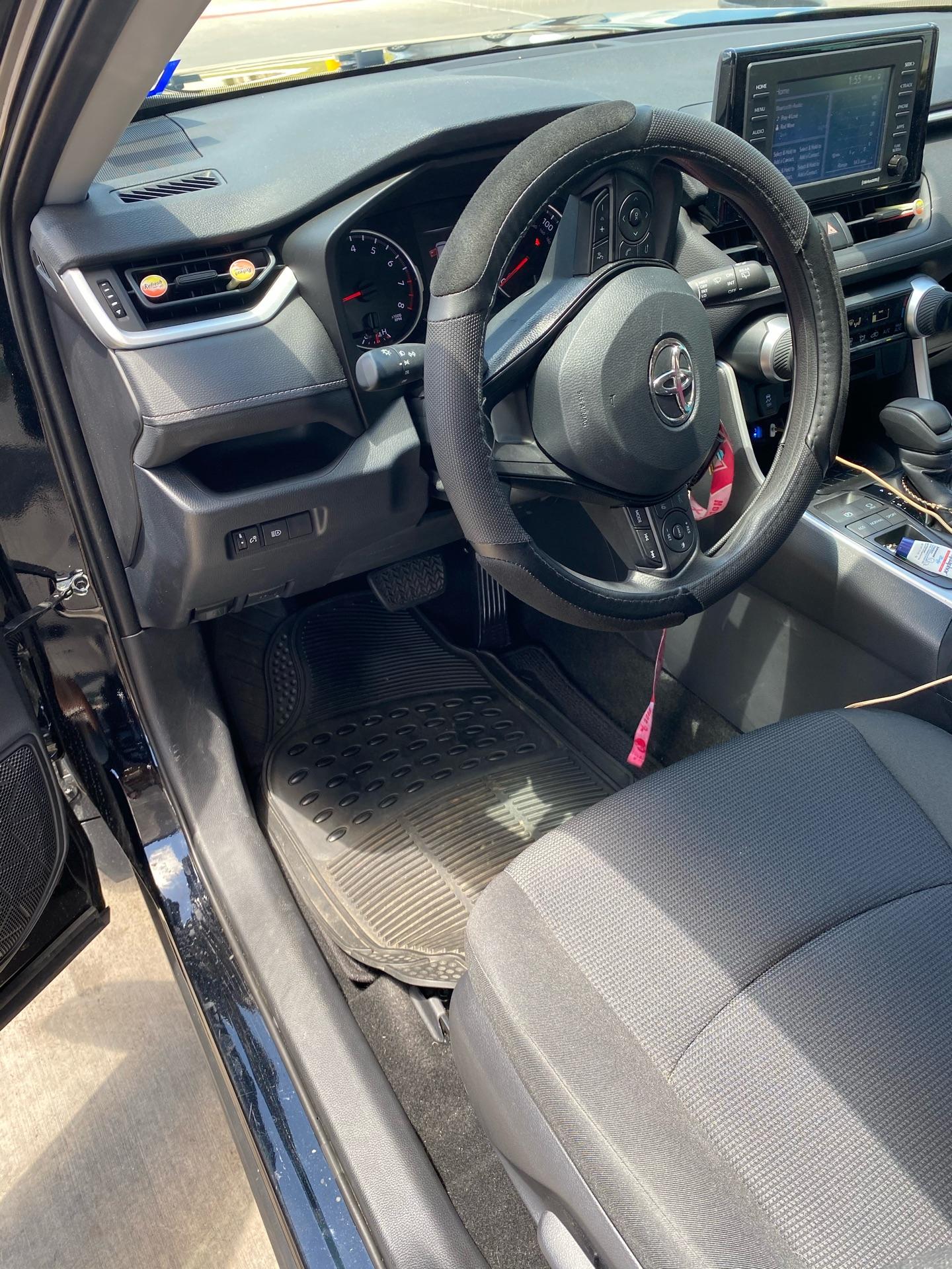 Toyota RAV4 - photo 6