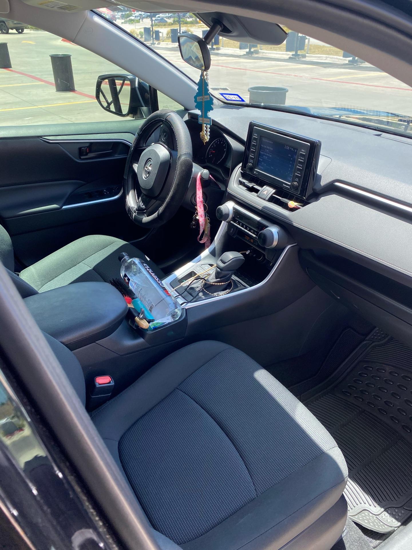 Toyota RAV4 - photo 7