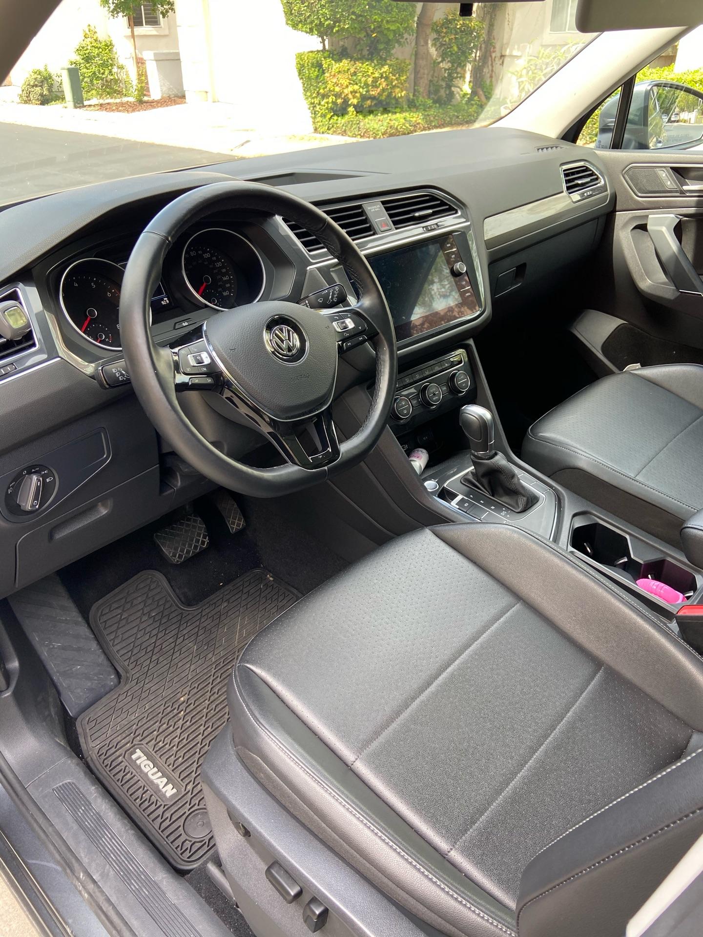 Volkswagen Tiguan - photo 2