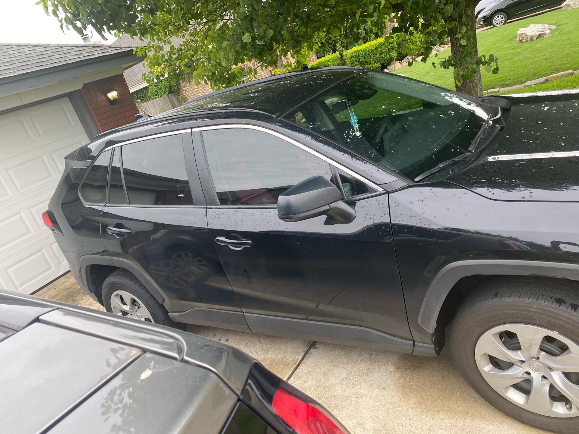 Toyota RAV4 - photo 2