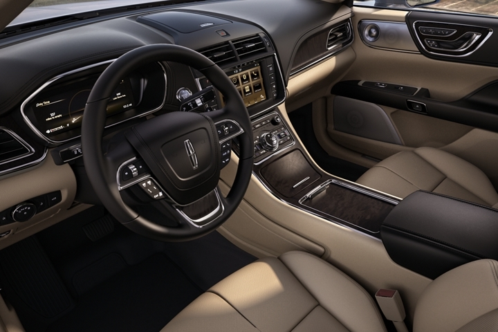 2019 Lincoln Continental - photo 2