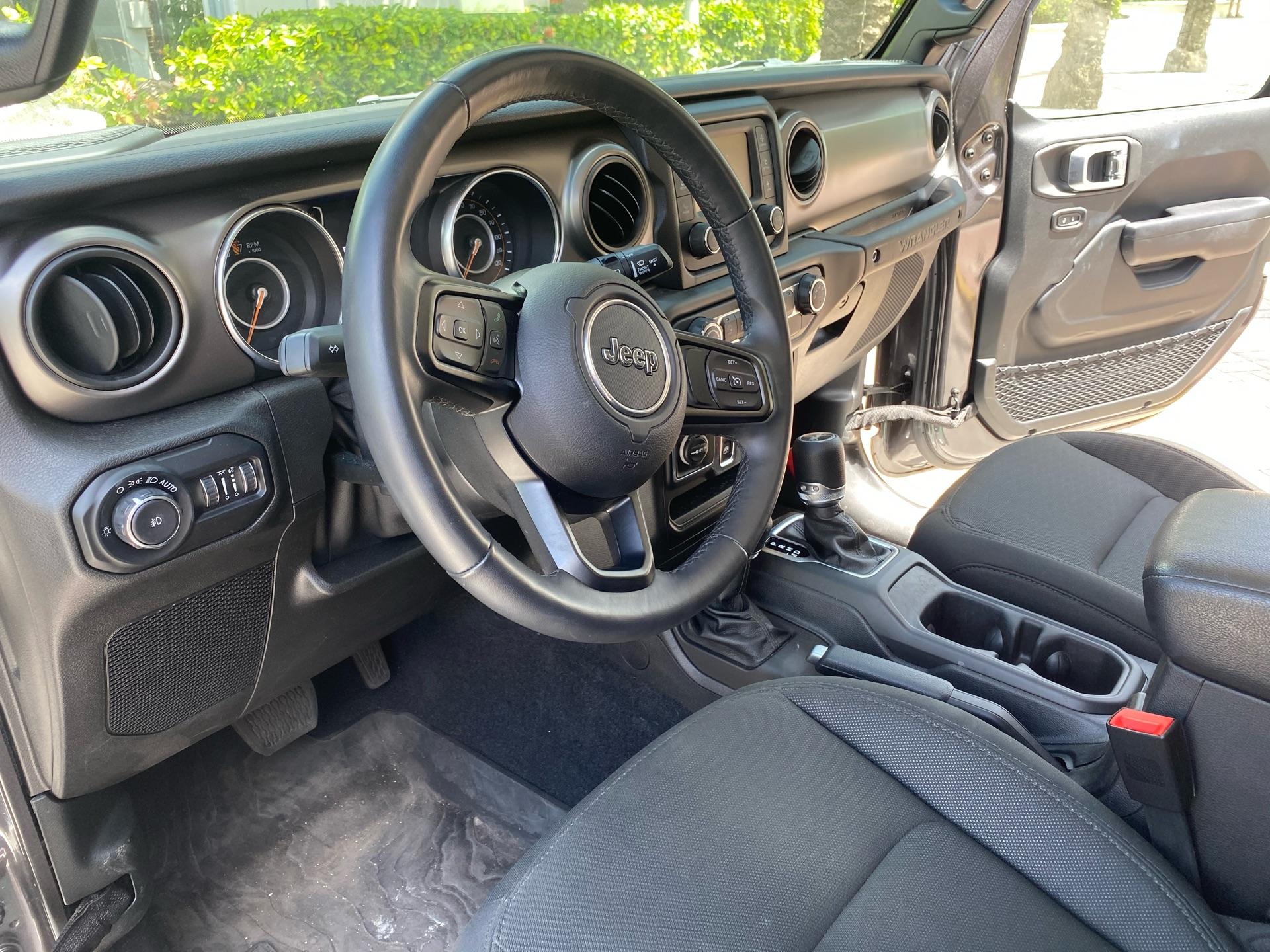 2019 Jeep Wrangler - photo 6