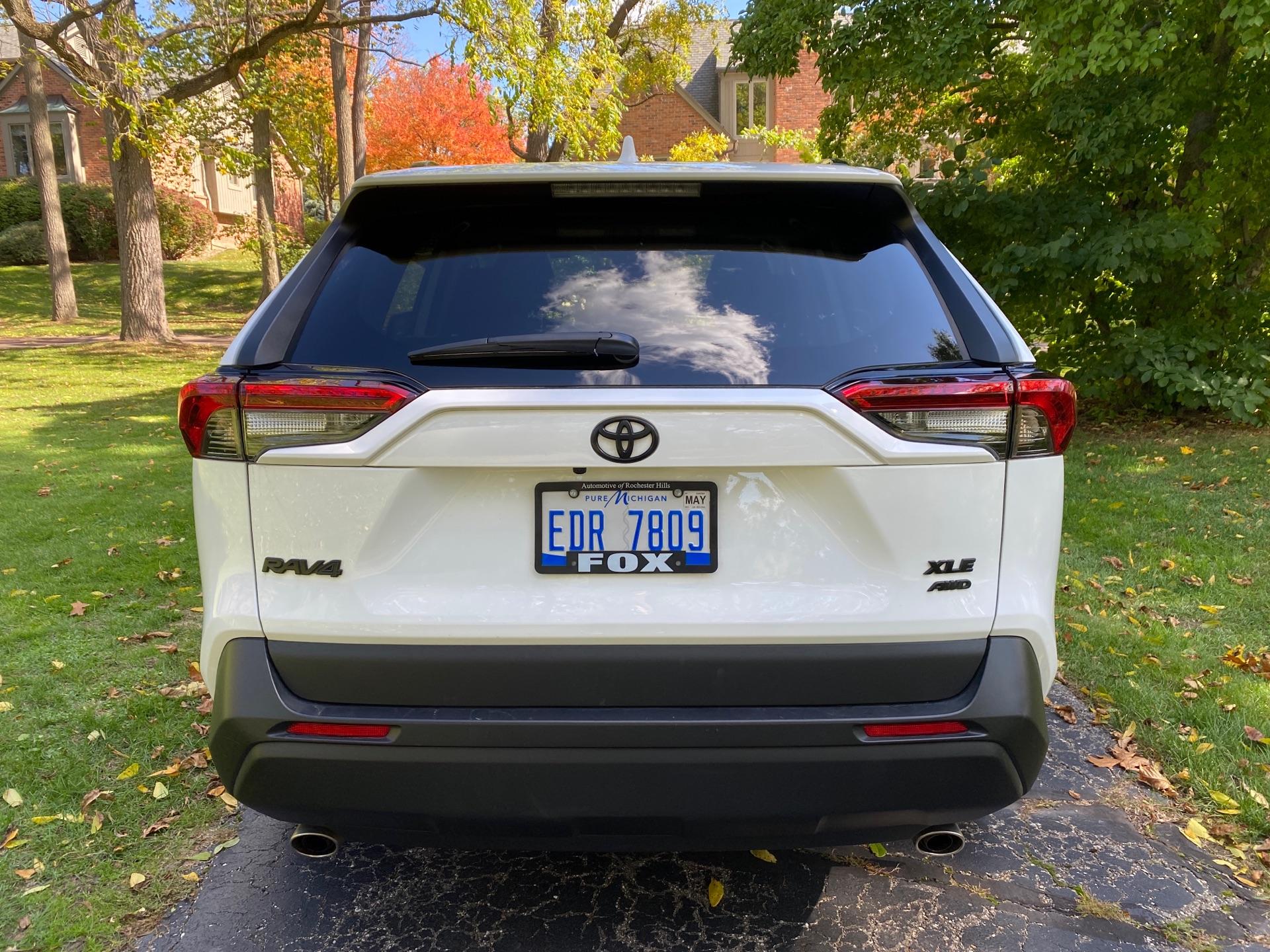 2019 Toyota RAV4 - photo 3