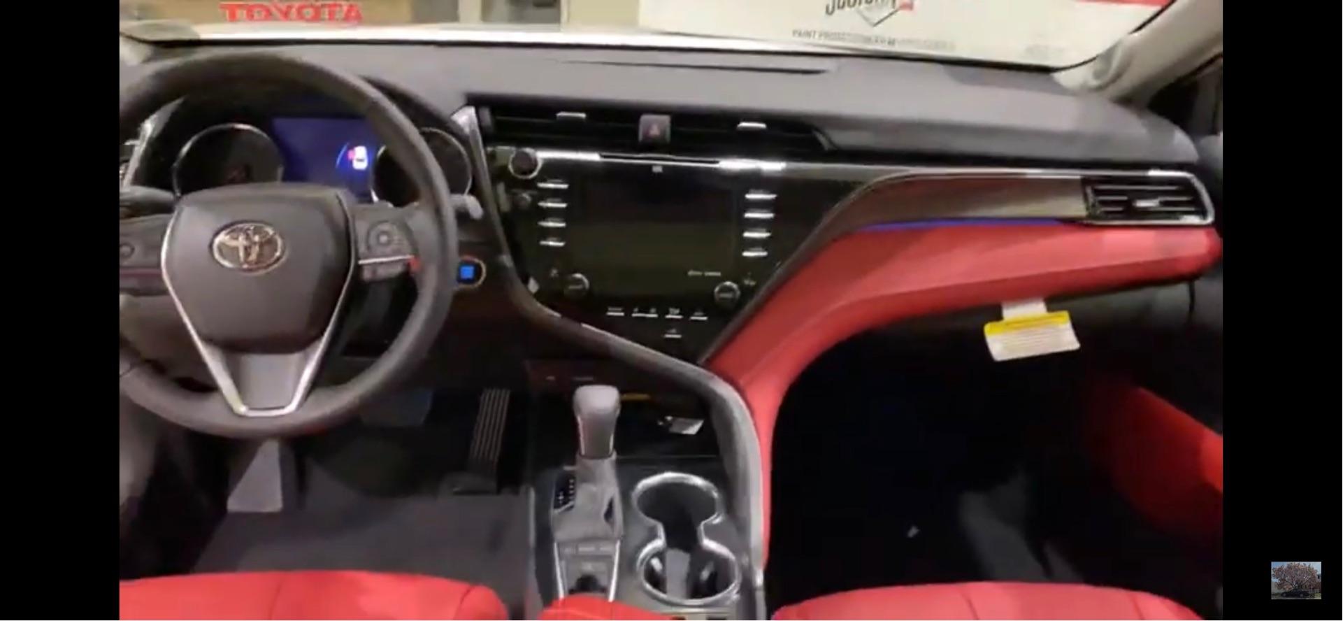 Toyota Camry - photo 2